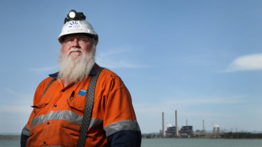 Liddell power station operator Wayne Smith is worried about the fate of his fellow workers when the station closes.
