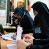 Hard-liners take early lead in Iran elections