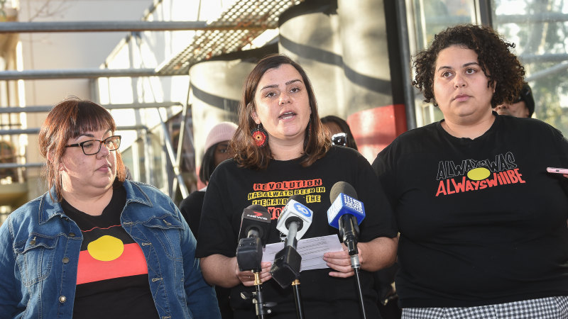 Melbourne organisers of Stop Black Deaths in Custody rally defy authorities' pleas to call it off