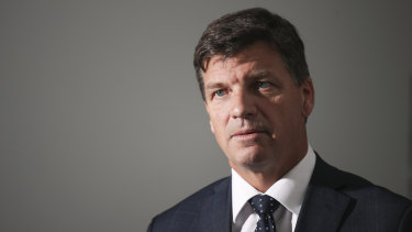 The Commonwealth Ombudsman says Australian Federal Police should have spoken directly to Energy Minister Angus Taylor about allegedly fraudulent documents sent from his office.