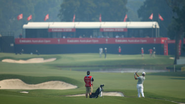 Matt Jones said the smoke haze hanging over the course had caused his eyes to 'burn up'.