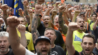 CFMEU supporters outside court in 2015 when John Setka and then deputy Shaun Reardon were facing court on blackmail charges, which were later dropped.