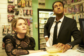 Stevie (Harriet Dyer) and AJ (Matt Okine) quickly put their differences aside in season 2 of The Other Guy.