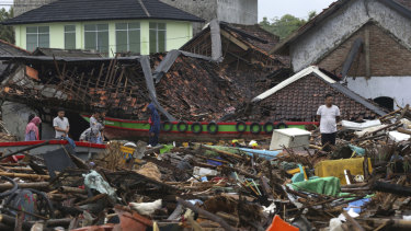 Christmas Tsunami.Death Toll Still Climbing From Indonesia S Silent Tsunami