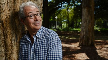 Ben Elton has joined surfers in Margaret River to call for action on climate change.