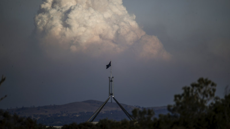 'Climate change war' demands national, military-style response: Ex-fire chiefs - Sydney Morning Herald