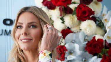 Jennifer Hawkins' final hurrah for Myer at Oaks Day in Melbourne ... we swear this time.