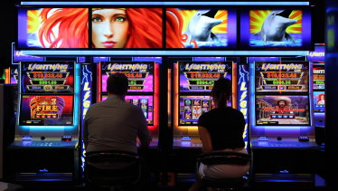 The Goss cabinet moved to introduce pokies into Queensland clubs in 1992.