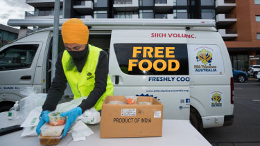 The Sikh community delivers free food to the locked down Maribyrnong apartment complex.