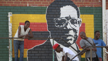 A mural of Mugabe in Mbare, Zimbabwe.