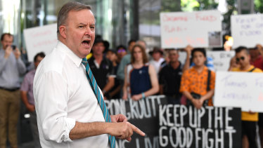 Anthony Albanese addresses a crowd of farmers and rural residents from the Darling Downs region protesting outside the Commonwealth offices in Brisbane on Tuesday.