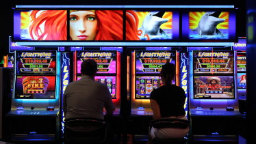 A ClubsNSW report says only about 5 per cent of clubs complied with anti-money-laundering laws.
