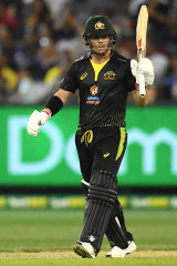 David Warner acknowledges the crowd after reach fifty for the third time in three matches against Sri Lanka.