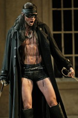 Teddy Tahu Rhodes as Don Giovanni in Melbourne in 2007.