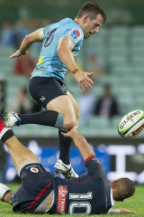 Bernard Foley took first blood in the battle for the Wallabies No.10 jersey after out-working Quade Cooper.