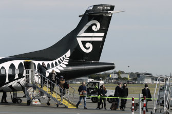 Returning New Zealanders must head straight to quarantine.