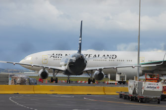 Australians travelling to New Zealand are required to take a COVID test first.