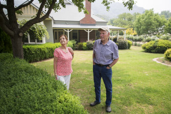 John and Mary Bakkum are staying to defend their home in Harrietville against the bushfire.
