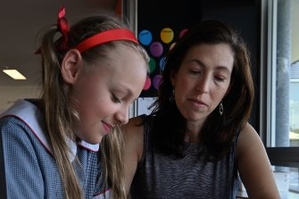 Anzac Park Public School teacher Julia Correll is tutoring small groups of students as part of the state's COVID-19 catch-up strategy.