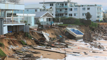 A big storm caused houses at Collaroy to collapse into the ocean in 2016.