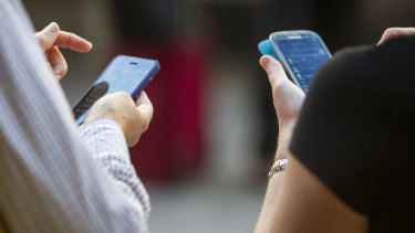 Australia's mobile phone networks slow down in the evenings.