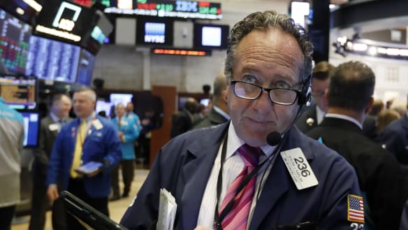 Wall Street falls for fifth day in a row