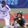 Australia win softball nailbiter against Italy to boost medal hopes