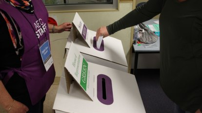 Call to cut back early voting period except in airports, major centres