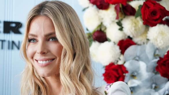 Jennifer Hawkins bids farewell to Myer as pink ladies rule the track