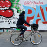 Paris to tackle congestion with world's largest electric bike fleet