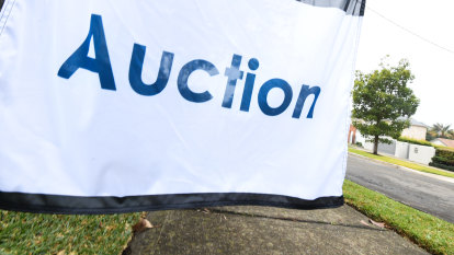 Auction clearance rates set to bounce back as footy fever eases