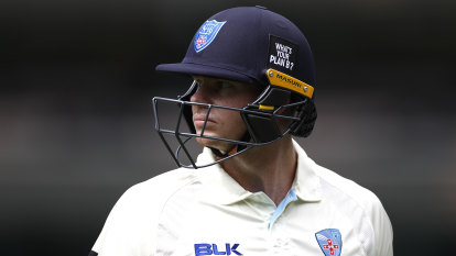Smith's latest elbow injury raises concerns about star's immediate future