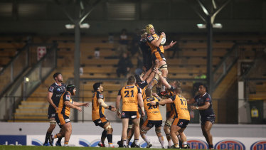 Ben Hyne of the Brumbies competes in a lineout during the round 6 Super Rugby AU match between the Rebels and Brumbies at Leichhardt Oval on August 07, 2020 in Sydney, Australia.
