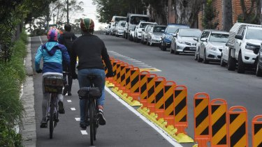 The Andrews state Labor government is fast-tracking 100 kilometres of pop-up bicycle lanes on major arterial roads.