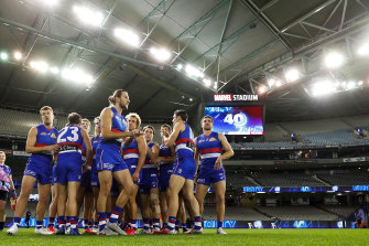 There won't be any Bulldogs players opting out of the hubs, according to coach Luke Beveridge.