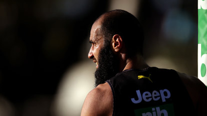 Injured Houli in race against time to face Magpies