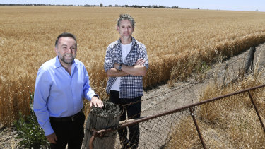 Out in the country before the Sydney premiere of The Dry: Eric Bana (right) with director Robert Connolly.