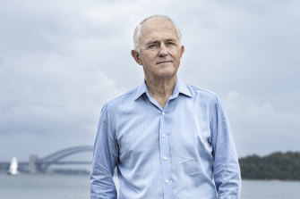 Malcolm Turnbull says countries need to keep pressure on China and refuse its claims over much of the South China Sea.