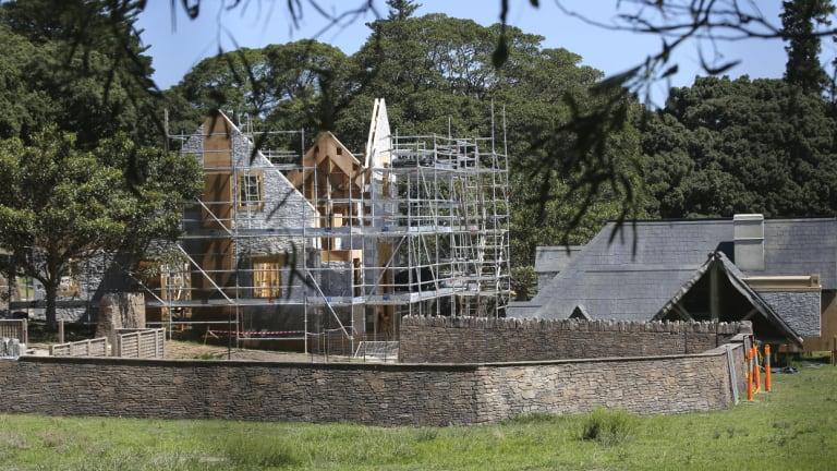 'Dog Valley' under construction In Sydney for Peter Rabbit 2.