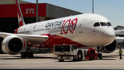 Qantas rejects Airbus and Boeing offers for non-stop New York jets