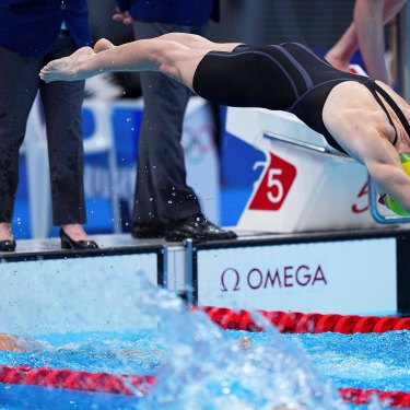 Cate Campbell's transition in the 4x100m medley relay was lightning fast.