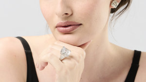 the diamond ring plus platinum and diamond earrings also up for auction