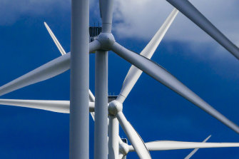 Clean energy goods and services could generate 395,000 new jobs by 2040.