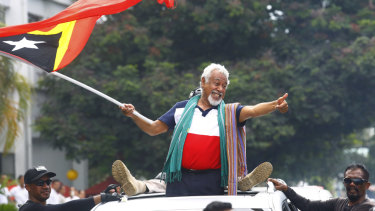 East Timorese independence hero Xanana Gusmao is pushing ahead with his controversial plan.
