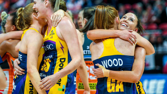Lightning slay Giants to reach Super Netball grand final