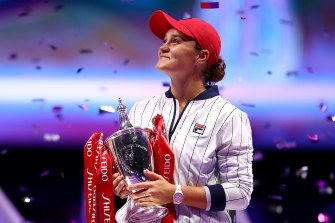 Ash Barty capped an incredible season with a big win at the WTA finals in Shenzhen.