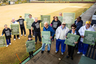 East Ivanhoe Bowls Club members are angry at plans to turn their green into netball courts.