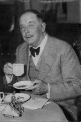 """Science fiction author and """"No. 1 personality at the congress"""" H.G Wells were among those who suffered through Canberra's heatwave of 1939"""
