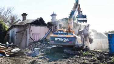No. 368 Auburn Road, Hawthorn, is demolished last week.