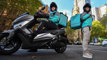 Deliveroo riders Dennis Peperkamp and his wife Nathalie enjoy the flexibility of being independent contract workers.